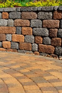 4 Great Benefits of Adding a Retaining Wall to Your Yard