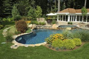 4 Reasons You Should Leave Landscaping to the Professionals