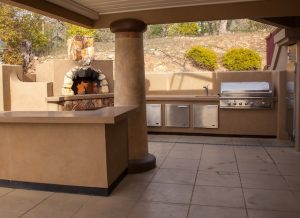 4 Benefits of an Outdoor Kitchen